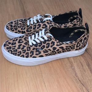 Vans cheetah lace up sneakers